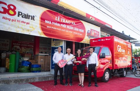 VIETNAM STAR PRESENTED TRUCK TO NGAN LOAN NGOC CUSTOMER-EXCELLENT DISTRIBUTOR OF G8 PAINT PRODUCTS