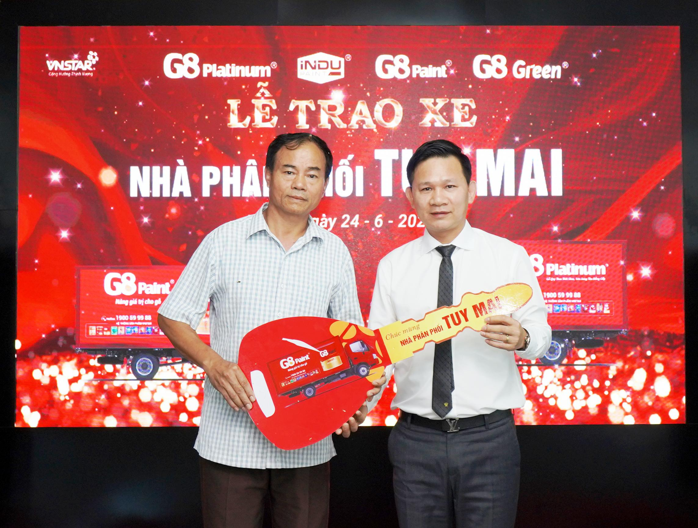 PRESENTING TRUCK TO TUY MAI DISTRIBUTOR-THE PRACTICAL AND MEANINGFUL GIFT